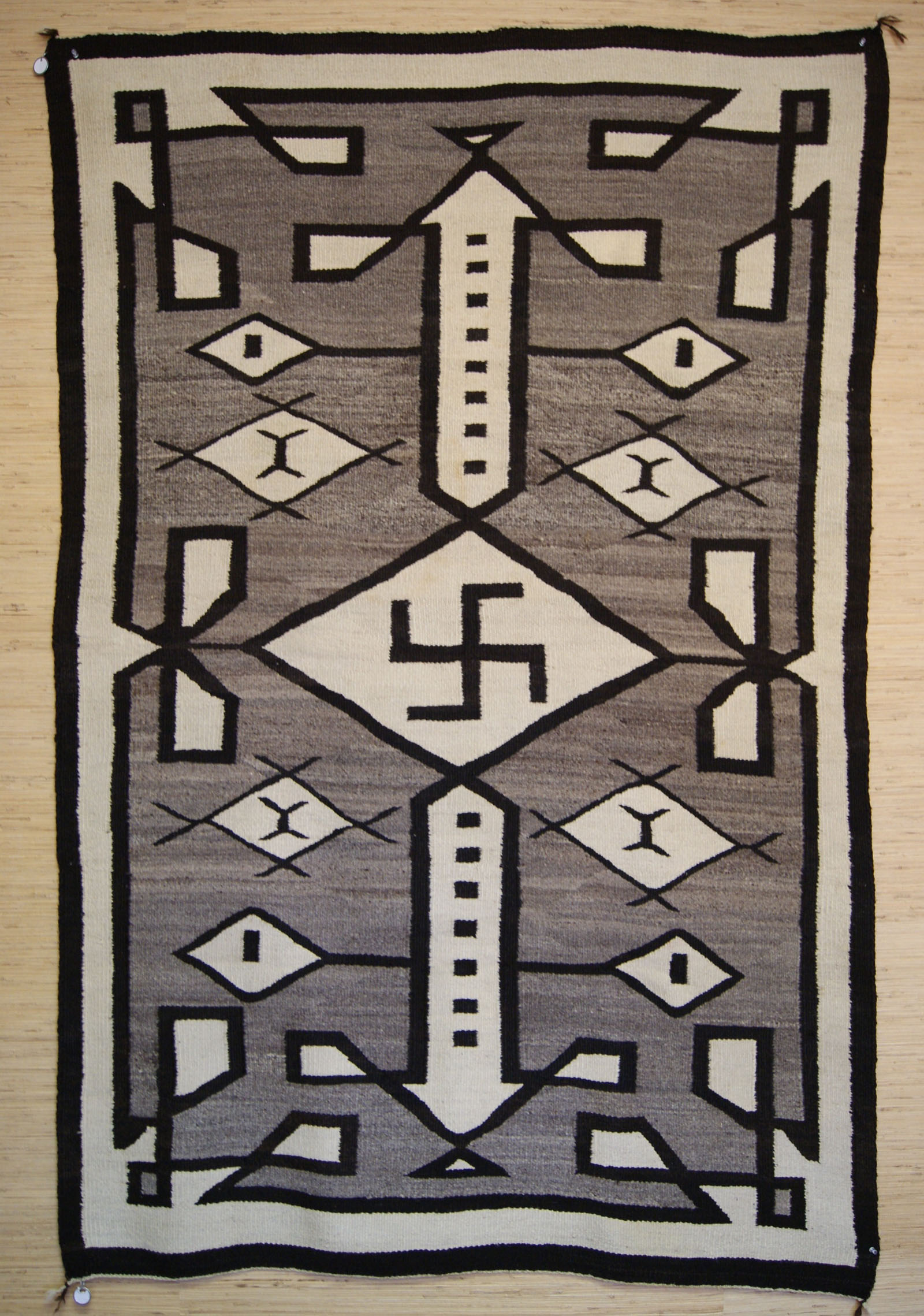Navajo Rug With Whirling Logs 467 Charley S Navajo Rugs