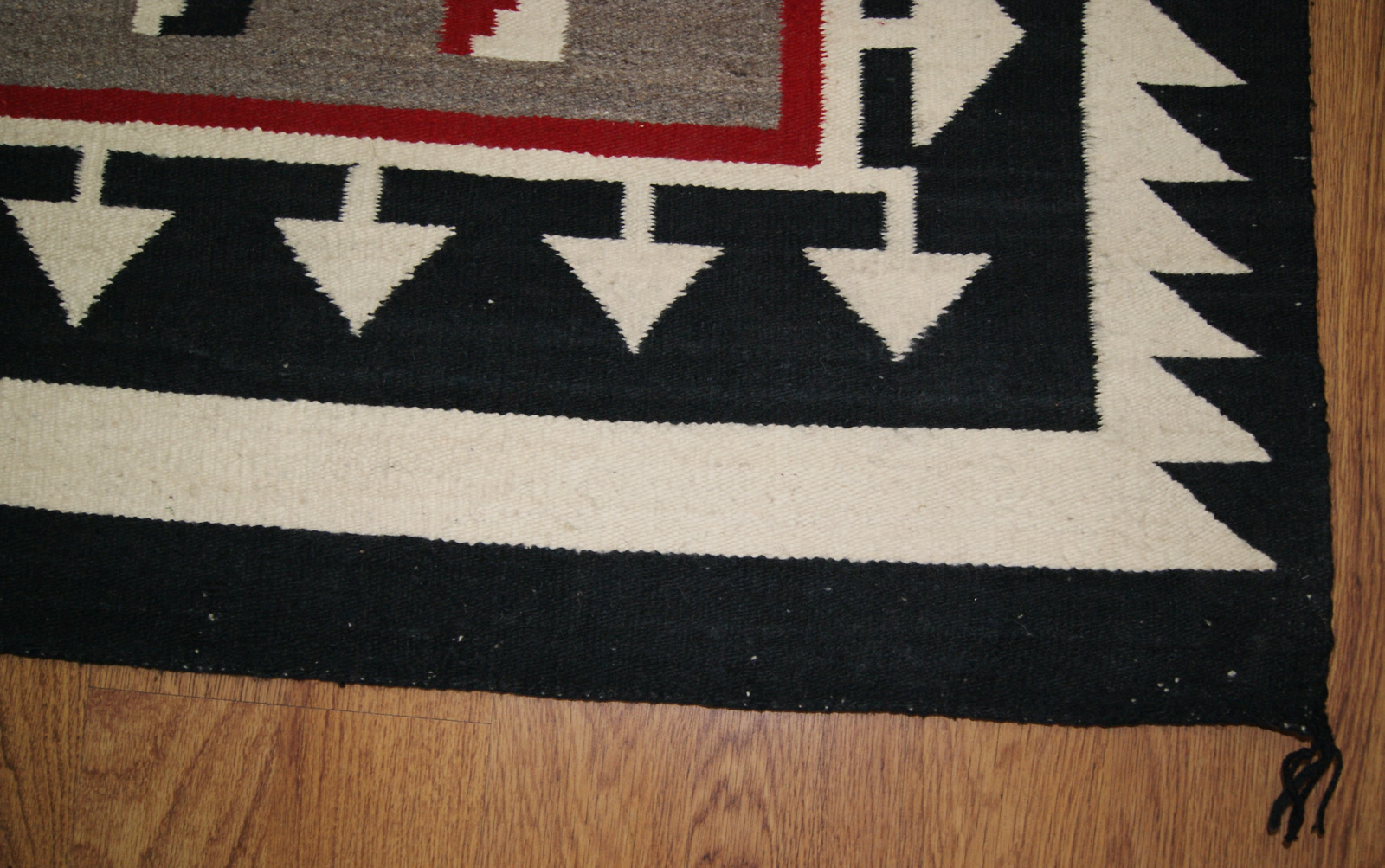 Modern rugs for sale klagetoh navajo rug for sale for Contemporary area rugs on sale