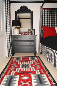 Storm Pattern Navajo Rug in Used in Traditional Home Decor Bedroom